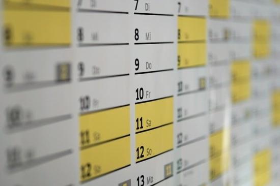経理担当者の1日の流れスケジュール