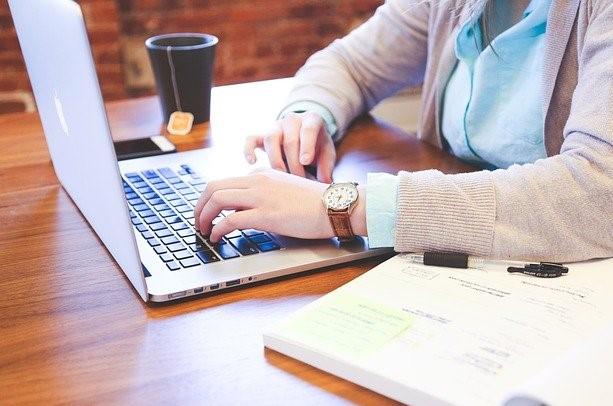 未経験から経理に転職できる?必要な5つのポイントを解説